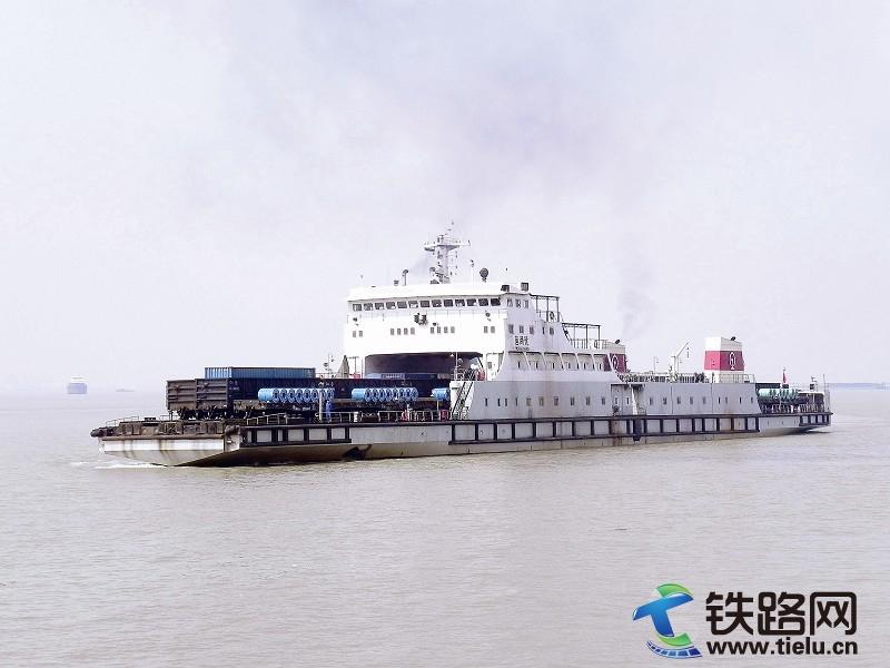 粤海铁路轮渡于2003年1月7日建成投产