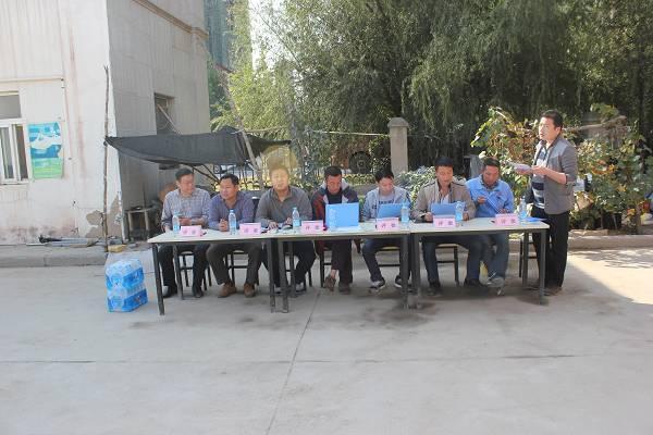 参加此次技能鉴定考试的评委团.JPG