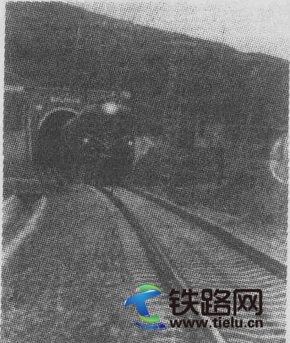 宝中铁路隧道.jpg