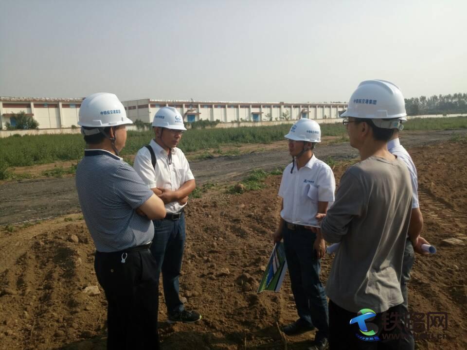 认证小组检查鄢陵轨道板预制场场建情况.jpg