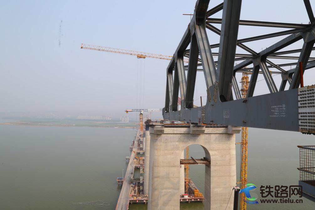 建设中的三门峡黄河公铁两用大桥 刘丹丹摄 2.jpg