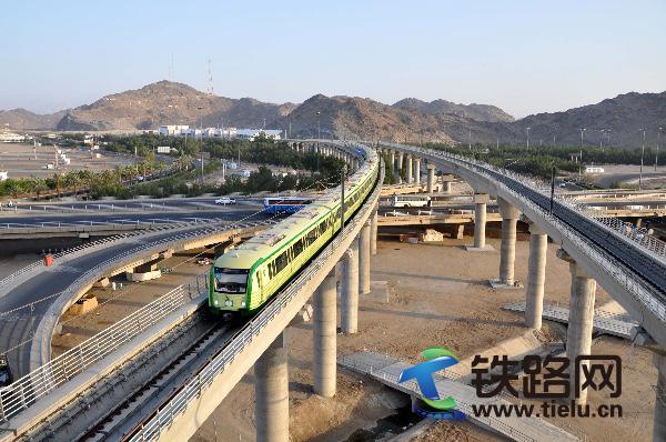 2、中铁十八局集团承建的沙特麦加轻轨项目 (伍振 张世丹 提供).JPG