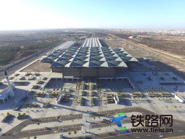 5、中特十八局集团国际公司沙特工程公司承建的麦麦高铁麦加车站(伍振 万连余 提供).JPG