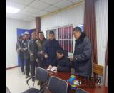 中铁七局五公司南阳站房团支部义务帮助 农民工兄弟代购火车票