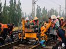 中铁六局集团阳高热电厂项目部顺利完成便线拨接大机捣固施工封锁