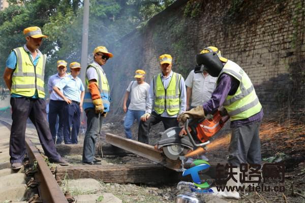 中国铁路西安铁路局集团公司西铁工程公司扎