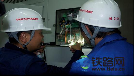 中铁武汉电气化局城铁分公司参建的武汉地铁