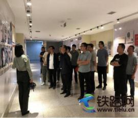 中铁二十一局四公司天福和园二期项目党支部参观红色教育基地
